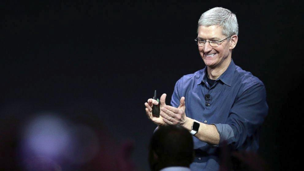 Tim Cook: Apple Watch släpps i april