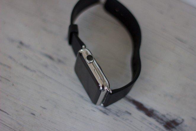 Det finns bara två fysiska knappar på Apple Watch.