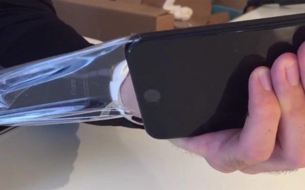 gagatsvart-iphone-7-skyddsfilm